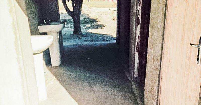 Vloer sanitairgebouw
