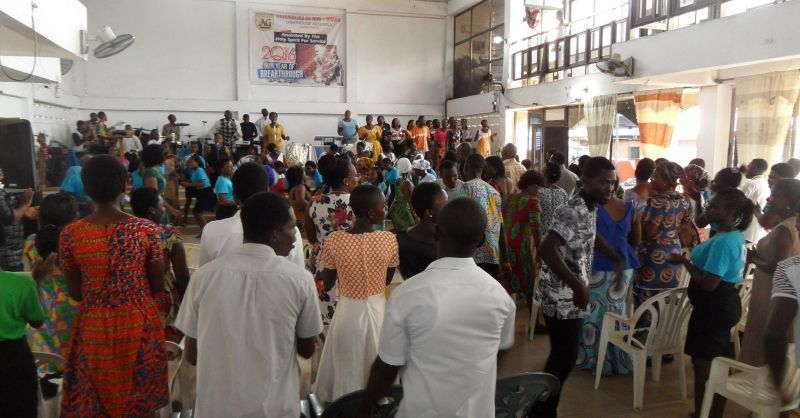 Op kerkbezoek in Accra