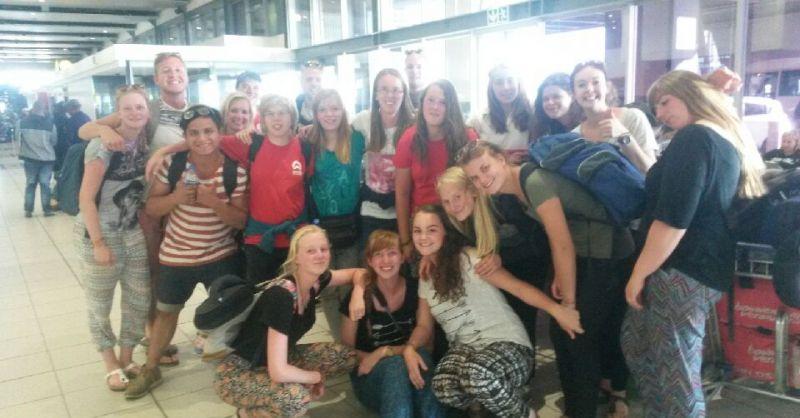 Groep op de luchthaven in Johannesburg