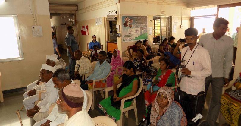 Sierra Leone | Wachtenden in Sankeshwar hospital