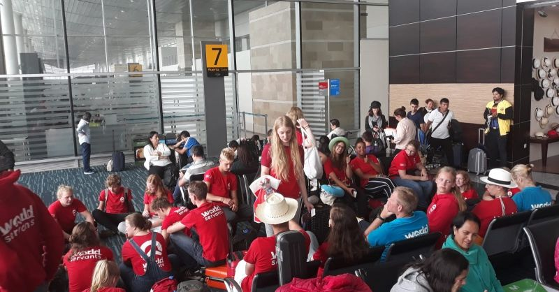 wachten op het vliegveld