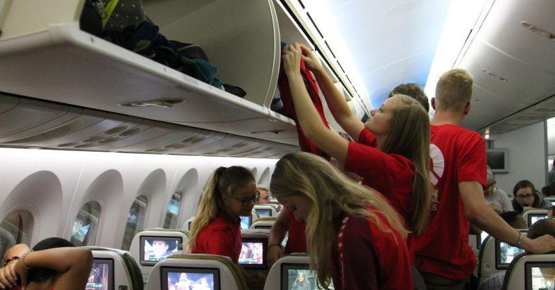Gelukkig zijn er 'schermpjes' in het vliegtuig...