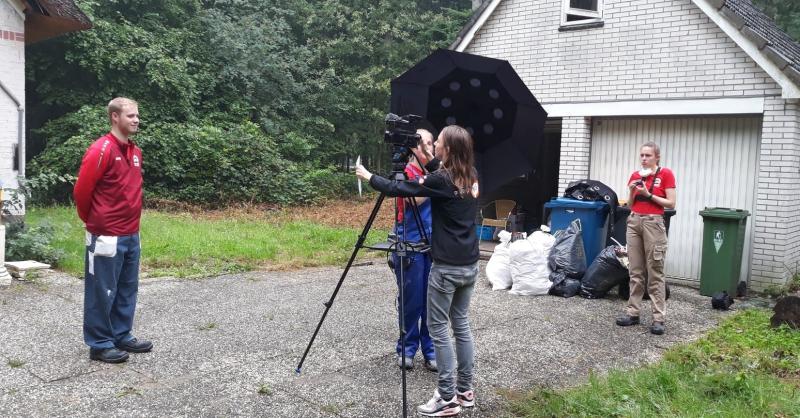 Filmster Douwe voor de camera