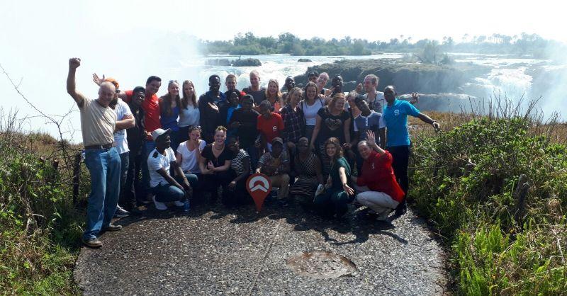 9 uur verderop: de Victoria Falls