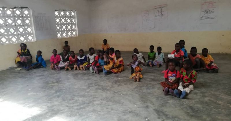 Children are awaiting their desks