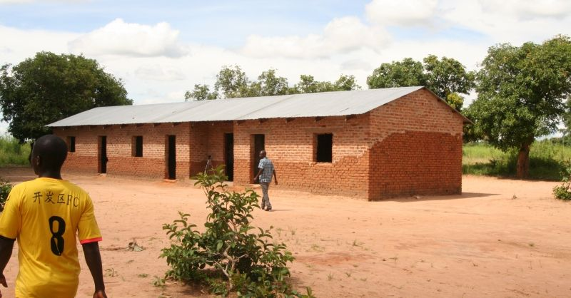 Klaslokalen gebouwd door de gemeenschap