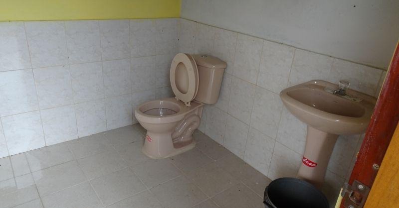 Toiletten afgebouwd