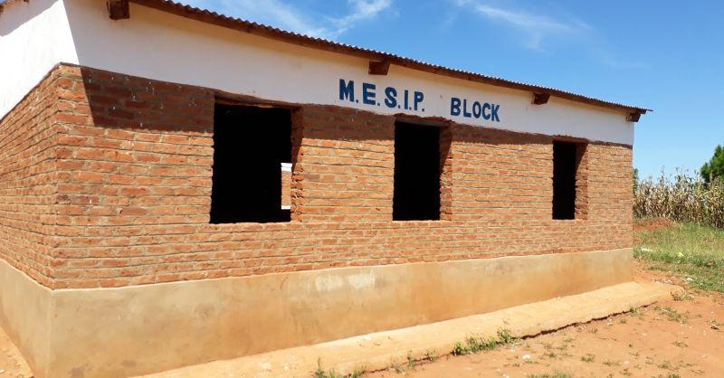 Klaslokaal gebouwd door gemeenschap