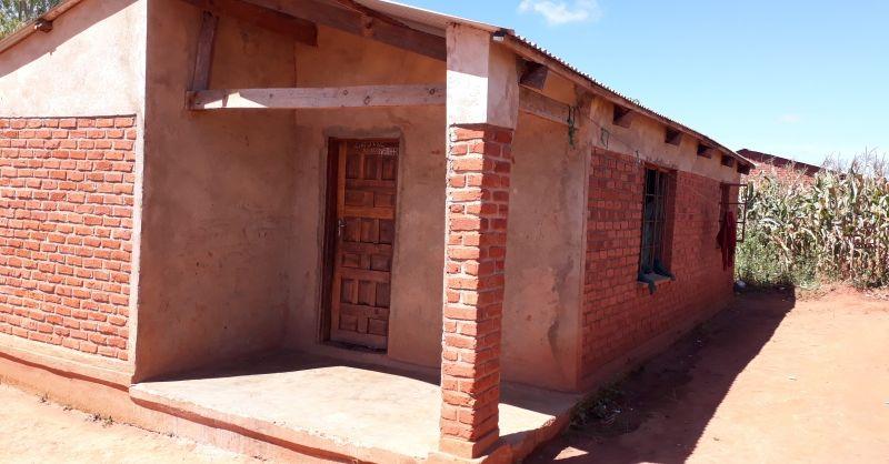 Lerarenwoning gebouwd door de gemeenschap