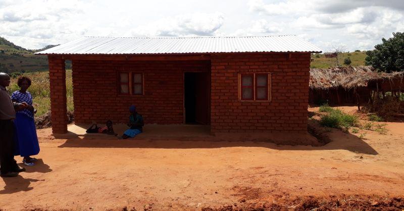 Lerarenwoning gebouwd door gemeenschap