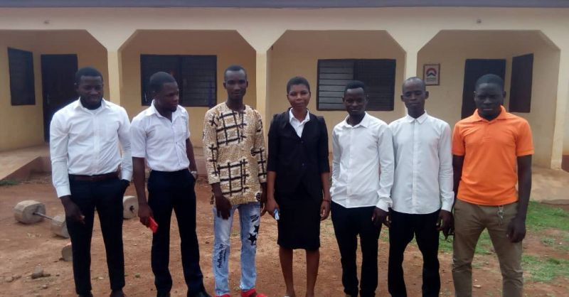 De nieuwe leraren in Namasim