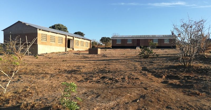 Overview of the schoolyard. new CRB on the left.