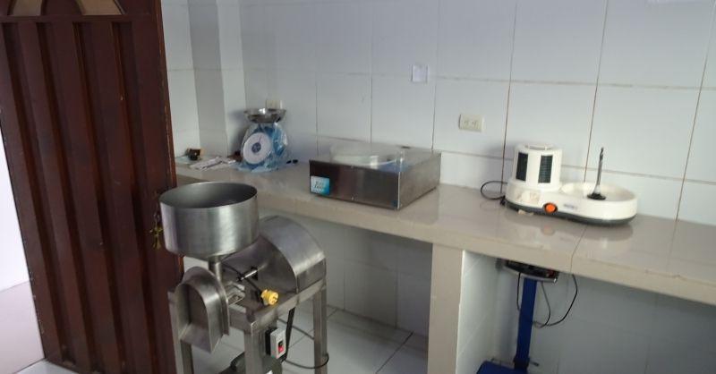 Apparaat waarin de chocola wordt vermalen