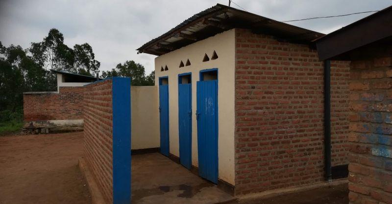 De latrines