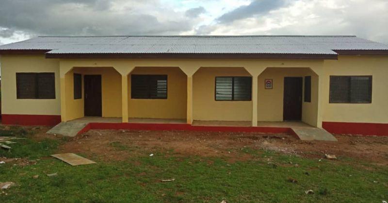 Lerarenwoningen in Namasim - voorzijde