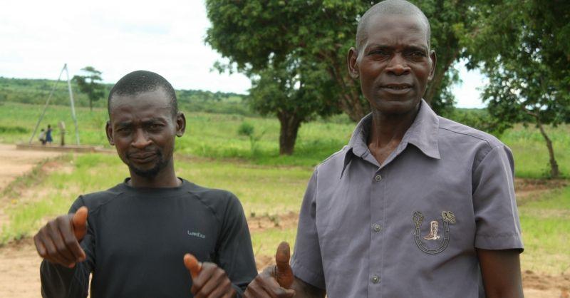 Vrijwillige leraar (links) en hoofd vd ouderraad (rechts)s