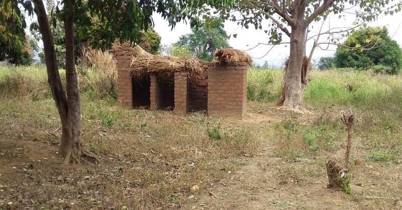 Toiletgebouwen waar nog aan gewerkt moet worden