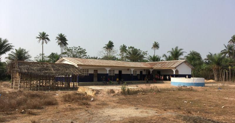 De school met de 'school yard'