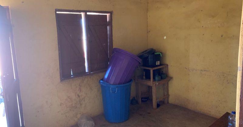 Kantoor in klaslokalenblok