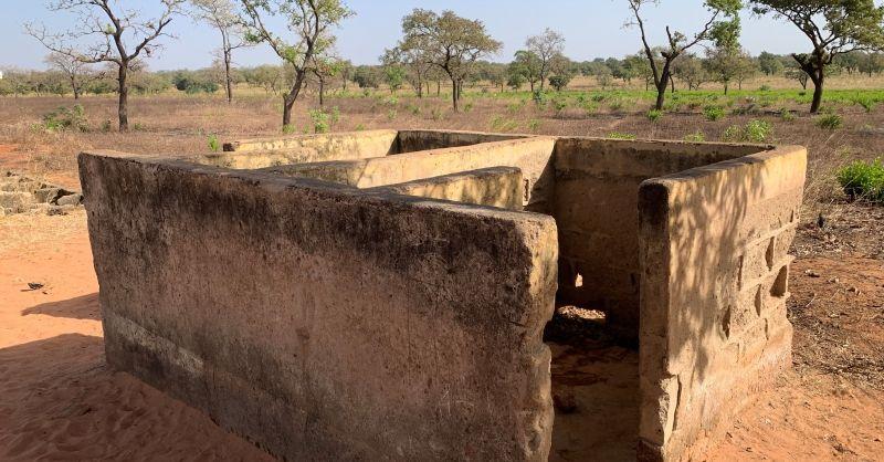 Oud latrineblok
