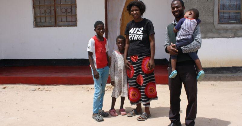 De hoofdmeester met zijn gezin