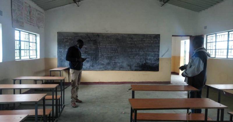 De klaslokalen staan er nog steeds goed bij, helaas wel leeg