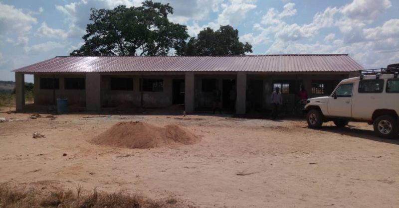De voorkant van de school