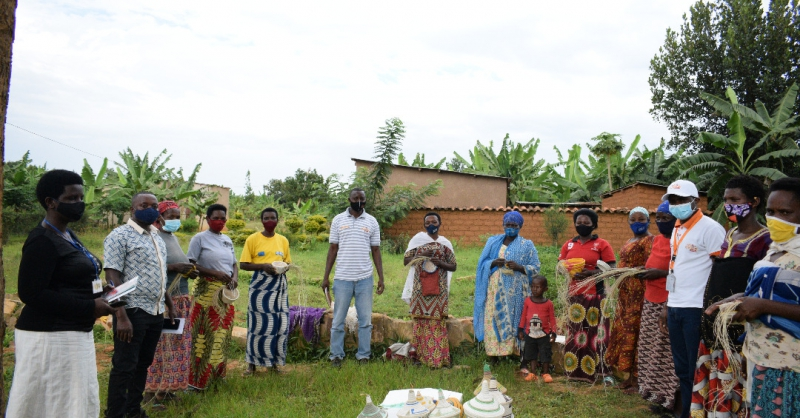 Coordinator Pascal on the right with the SHG members