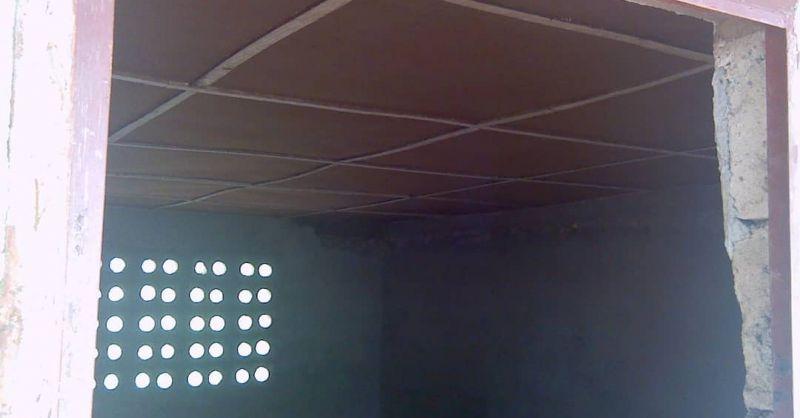 Binnenzijde klaslokalen inclusief plafondplaten