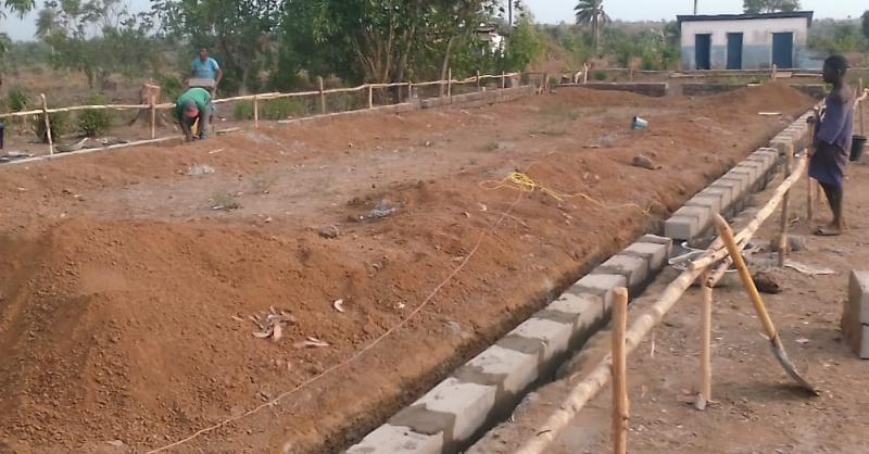 Foundation block laying