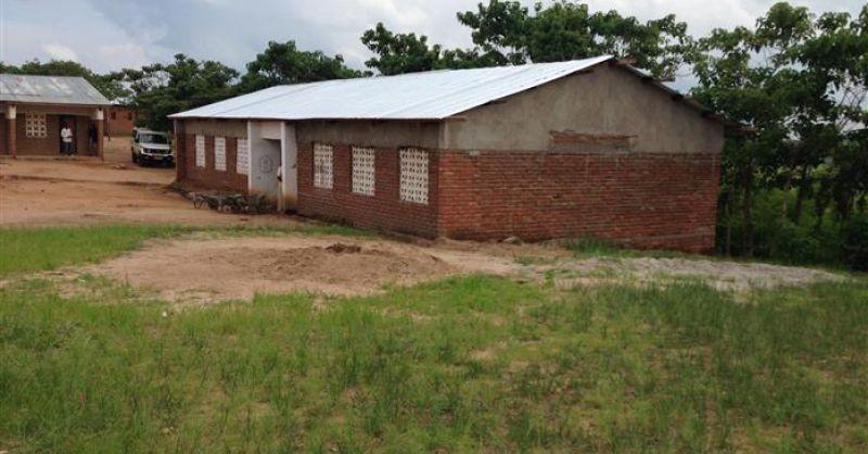 Het in 2015 gebouwde schoolblok ...