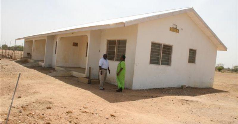 GH311_Nangodi_teacheraccommodation_frontside houses_1