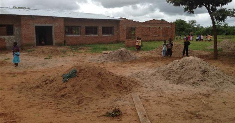 Schoolgebouw in aanbouw