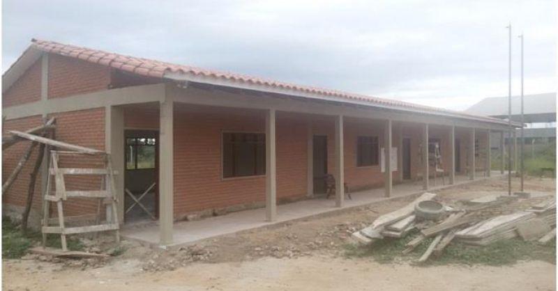Voorzijde van de school