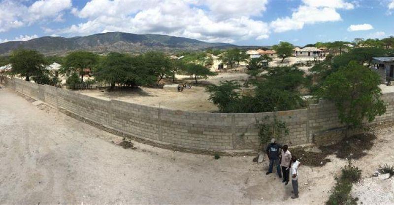Zicht op het dorp Atrel vanaf de 2e verdieping van het schoo