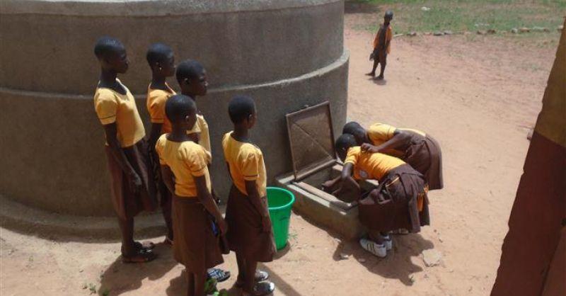 Watertank bij de school