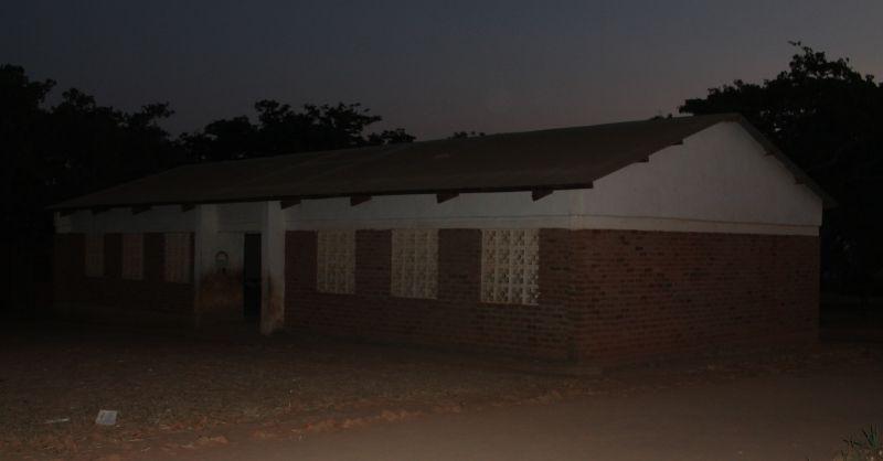 Classroom block (in het donker)