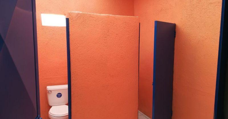 Nieuwe toiletten voor de meisjes