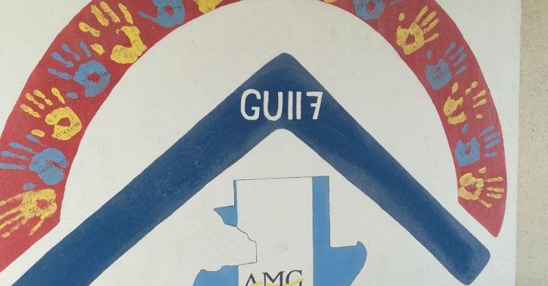 Handtekening van GU117 versiert de muur