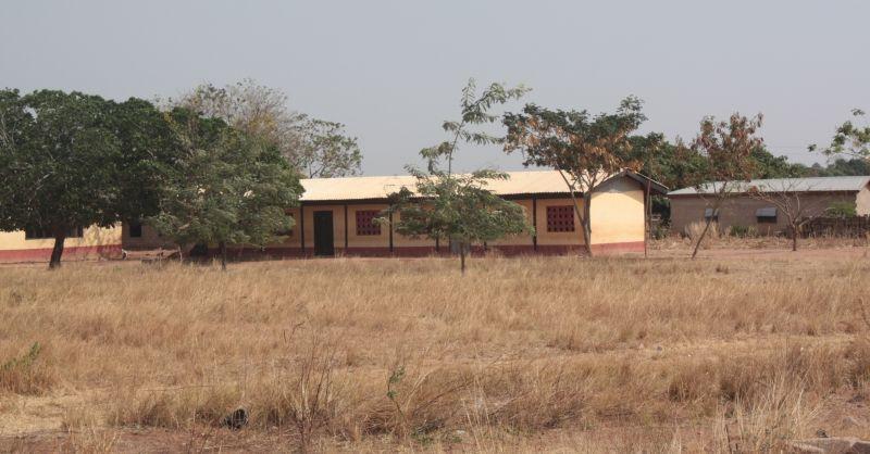 De bestaande school van Nakpanduri