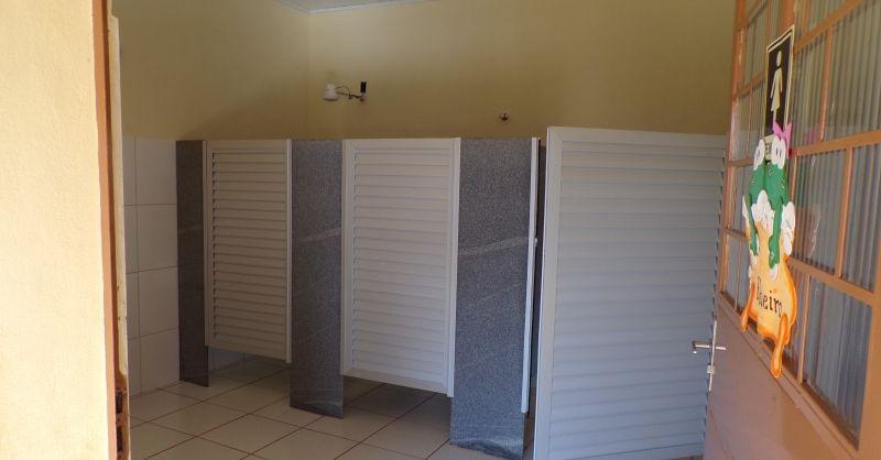 De toiletten voor meisjes