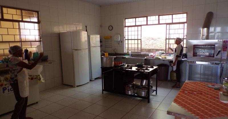 De keuken waar veel kooklessen worden gegeven