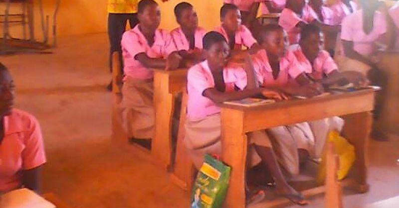 Teacher in class teaching the children of Za Ari