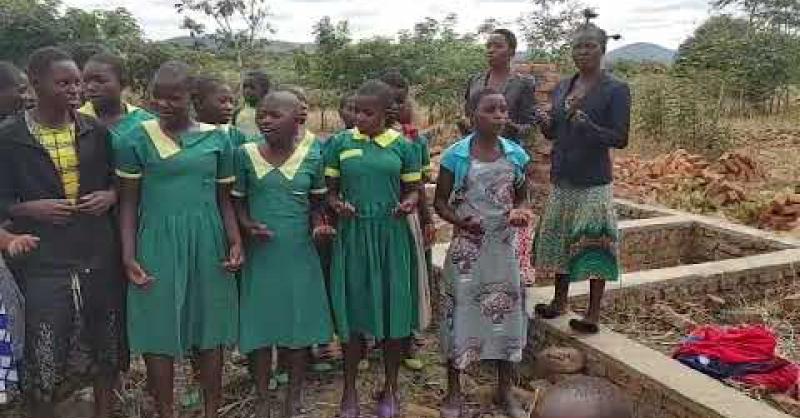 Leerlingen zingen een lied