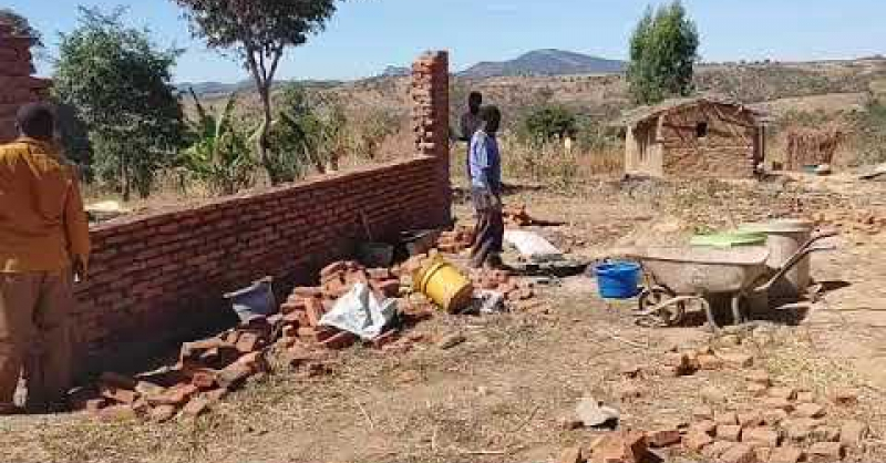 De bouw in Makonje gaat door