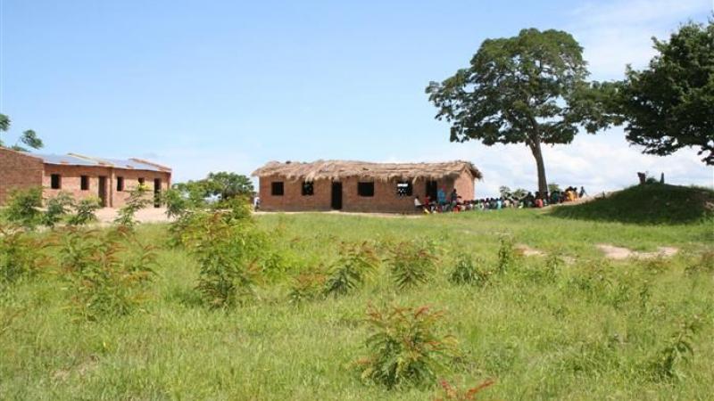 Huidige klaslokalen op de heuveltop
