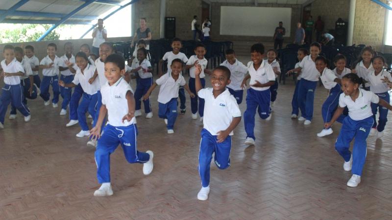 Kinderen in het auditorium