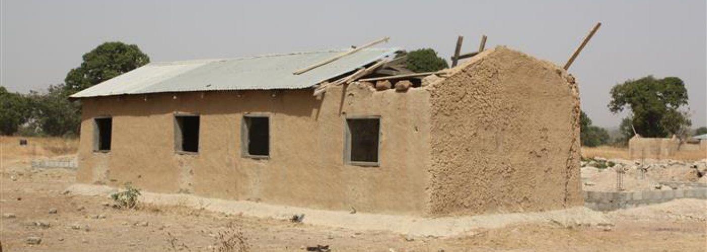 Klaslokalen in aanbouw door gemeenschap