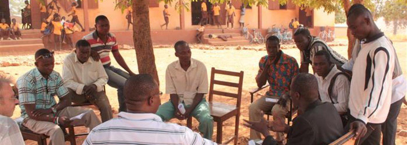 Overleg met vertegenwoordigers van de gemeenschap