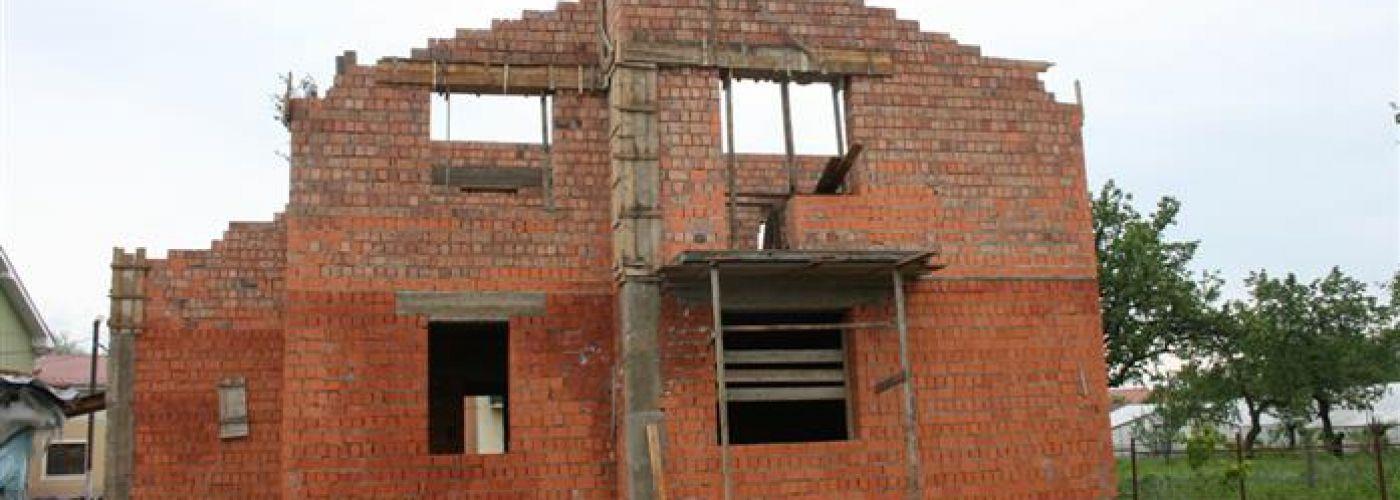 OE114 - 4e woonhuis Rativci - voorzijde huis ruwbouw